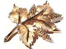 Bijou alliage doré broche créateur feuillage Trifari  brooch