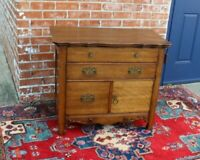 American Antique Oak Small cabinet With 2 drawer
