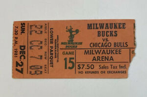 1981 Milwaukee Bucks v Chicago Bulls NBA Milwaukee Arena Ticket Stub 12/27/81