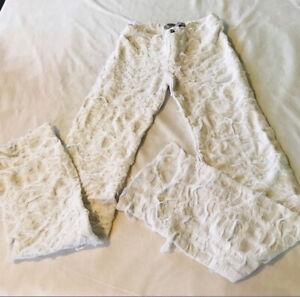 Girls frayed frazzled white jeans NWOT vintage Size 6