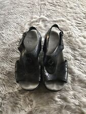 Dansko Black Leather Laser Cut T Strap Comfort Sandal Women's EU 38 US 7.5/8