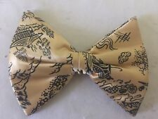 Vintage Cream Japanese Design Bow Tie Mid Century Clip On Royal Rust Resistant