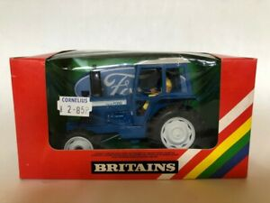 BRITAINS FORD TW20 TRACTOR MODEL 9523 ORIGINAL BOX AND IN MINT CONDITION
