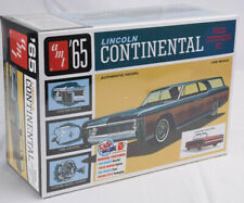 AMT 1965 Lincoln Continental 1:25 Scale Plastic Model Car Kit 1081
