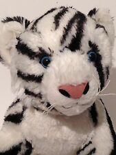 Build A Bear Workshop White Black Siberian Tiger Sitting Heart Paw 13 IN 2016