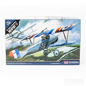 Academy 1/32 Scale Model Kits WW1 Aircraft Nieuport 17 - Sopwith Camel Plane
