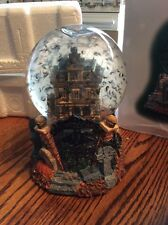 DEPT 56 GRIMSLY WATER GLOBE HALLOWEEN GRIMSLY MANOR