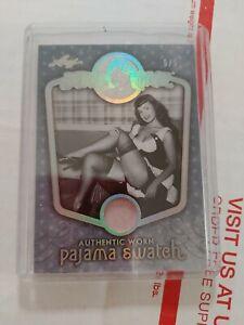 2014 Bettie Page Leaf Trading Card Authentic Worn Pajama Swatch BP-PJ8 5/5 Mint