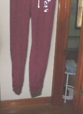 1 HOLLISTER WOMANS XS LOUNGE PANTS MAROON 27.5 INSEAM FITTED LEG BOTTOMS