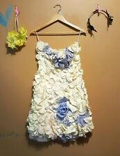 White, Petal Dress, designer original. Size 6. Bridal, Prom, etc.