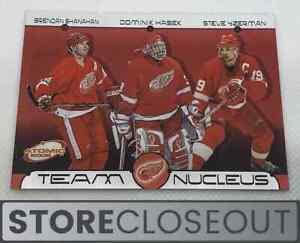 2001-02 Pacific Atomic #6 Yzerman/ Hasek/ Shanahan Team Nucleus Detroit RedWings