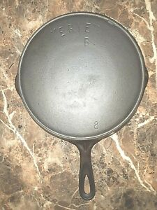 Erie No. 8B Cast Iron Skillet With Heat Ring