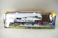 New Ray Camping Adventure Ford Truck Fifth Wheel Trailer Camper 1:32 Scale