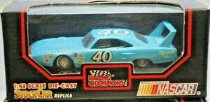 Racing Champions NASCAR 1:43 Diecast 1970 Plymouth Superbird #40 Pete Hamilton