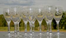 Saint Louis - Lot de 10 verres à liqueur en cristal gravé. Haut. 9,5