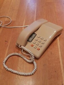 Vintage BT Viscount Telephone. 1980s, Beige, clean and fully working .