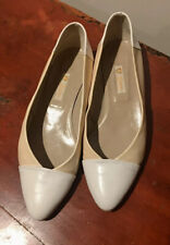 Vintage 1980s Genuine Leather Authentic Gucci Flats Tan & White Size 37.5 Us 7