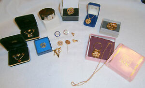 Vint Avon Awards jewelry lot - new cond, most in boxes, 16 pieces former dealer