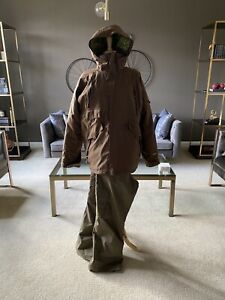 Ski/Snowboard Jacket and Pants - Size M