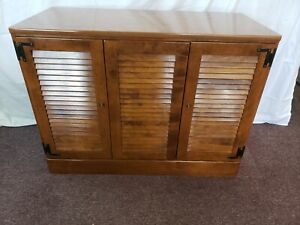 Very Rare! Excellent Condition Ethan Allen Heirloom Maple Sewing Center 10-4557p