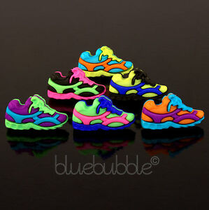 FUNKY SPORTS SHOE BOYS MENS SINGLE EARRING FUN COOL RETRO NOVELTY WORK OUT GIFT