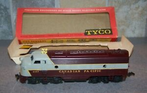 TYCO MANTUA CANADIAN PACIFIC F-9 FACTORY ERROR NUMBERS AT FRONT RARE
