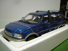 FORD EXPEDITION EDDIE BAUER Version 1/18 d UT models 22713 voiture miniature 4x4