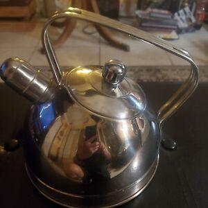 Cuisinart Stainless Steel Whistling Kettle Tea Pot 2.5 Qt