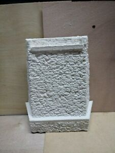 (HO-Scale) stack Stone Tapered Bridge Abutment (1 Piece)