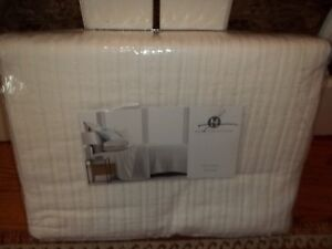 NIP Hotel Collection White Matelasse 100% Cotton King Coverlet $280