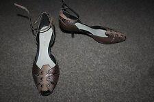 Ladies Brown Leather Nine West Shoes Size 5.5 Unusual Animal Print Heels