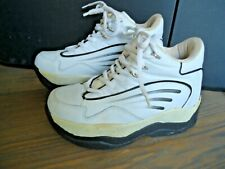 Cool R brand retractable wheel skate shoes, Mens size 8 used skating shoes