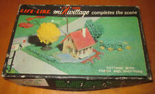 Lifelike Life Like Cottage with porch and shutter Model in box