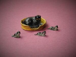 BARRETT & SON LONDON VINTAGE LEAD FARM SERIES CAT IN BASKET & THREE RARE KITTENS