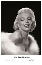 MARILYN MONROE - Film star Pin Up PHOTO POSTCARD - 201-591 Swiftsure Postcard