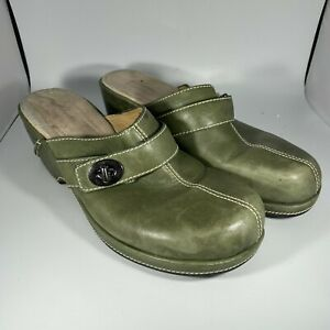 Clarks Artisian Mule Clogs Size 9 M Green Slip On 75979 Leather Slides Buckle