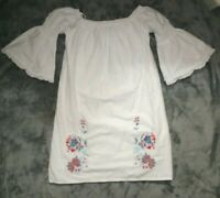 New York & Co White Floral Dress Flare Sleeve Stretch Size Small Embroidered