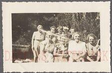 Unusual Vintage Photo Women w/ Laser Eye on Girls Light Exposure Ghosts 691599