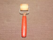 """VINTAGE TOOL 6 1/2"""" LONG RED WOOD HANDLE WALL PAPER SEAM ROLLER"""