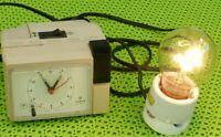 DDR Quartz Schaltuhr VEB Ruhla optischer Wecker Sammler Museum GDR vintage alt