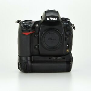 Nikon D700 12MP Digital Camera Body with Battery Drive Mb-D10