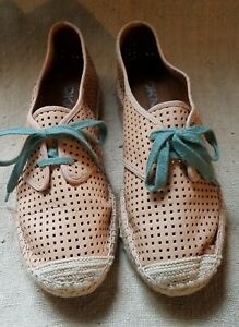 DKNY Perforated Leather Sneakers Espadrilles Flats~Tan w/Green Laces 7
