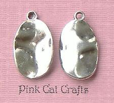10 x Tibetano Argento OVALE PUNTINATO Ripple ONDULATI Ciondoli Ciondoli Perline