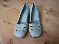 Smart RIVER ISLAND Ladies Pale Green Leather Low Kitten Heel Court Shoes size 5
