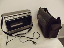 magnetoscope portable sacoche cuir ancien sharp VC-2300F cassette vhs reporter c