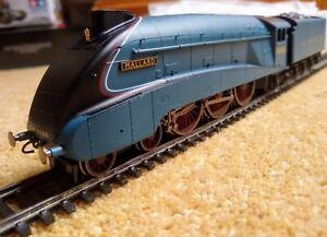 Hornby LNER Class A4 4468 Mallard R3371. 00 Gauge
