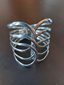 cuff bracelet hinge opening bangle silver colour fashion costume jewellery 1M