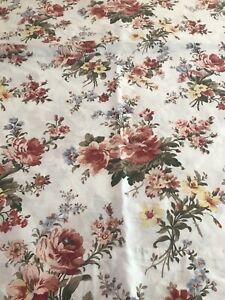 RALPH LAUREN Petticoat Floral King Flat Sheet.