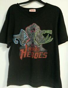 T-SHIRT - Marvel Superheroes Avengers Men's Medium T-Shirt V-Neck Casual Summer