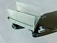 ESPEWE DDR Plastik Modellauto LKW Anhänger Seitenkipper mit Heuaufbau HO